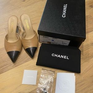 Chanel nude and black mules 36.5